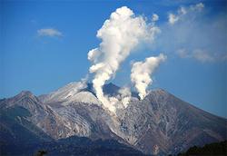 活発化する日本の活火山-Volcanic activity in Japan has been activated-